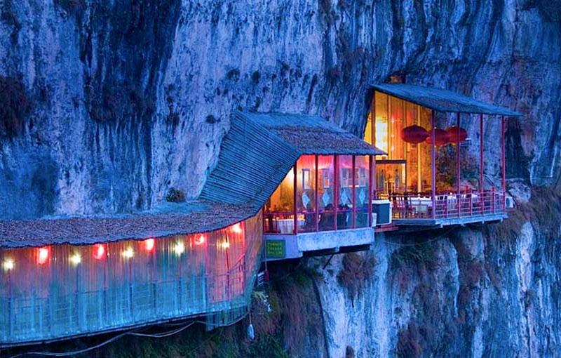 18 Unforgettable Restaurants with Unique Surroundings