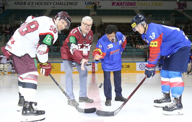 Latvian men's and women's national hockey teams take part in tournaments in Korea