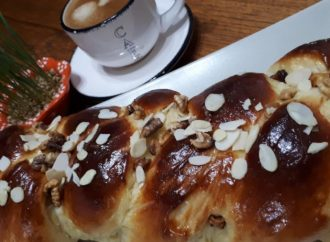 Local traditions and recipes for Orthodox Easter