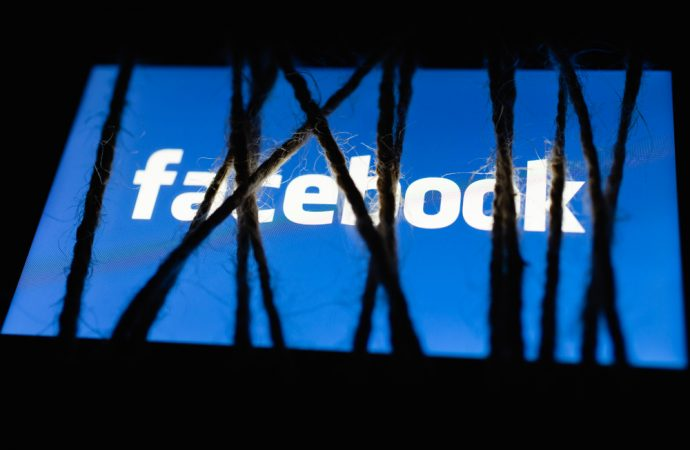 Facebook policy initiative fails to halt advertiser exodus